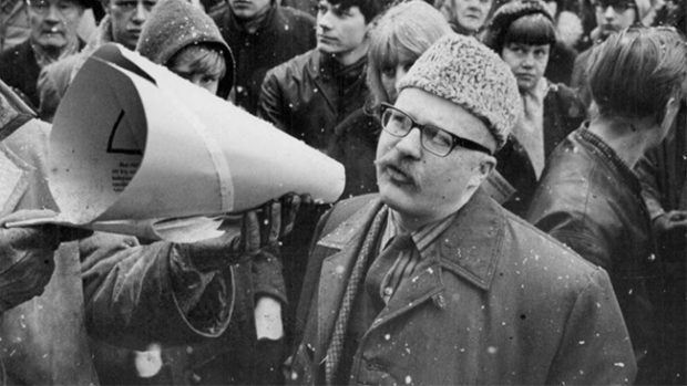 Jan Myrdal vid Vietnamdemonstration